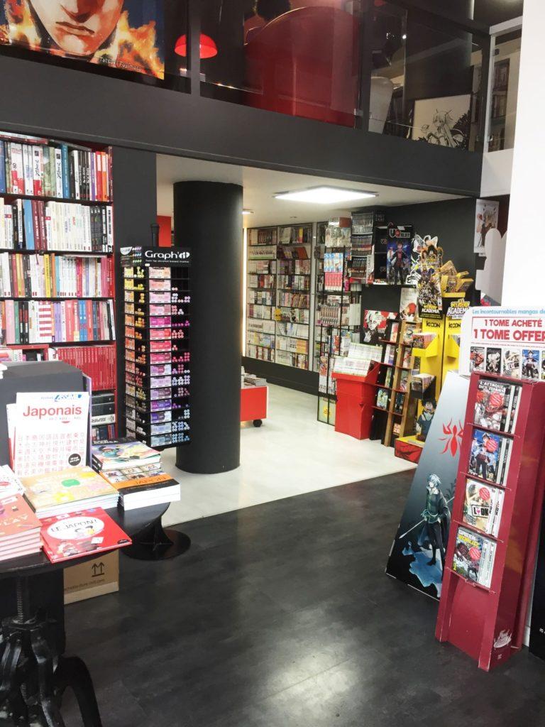 Manga Café V2 interieur RDC librairie 3