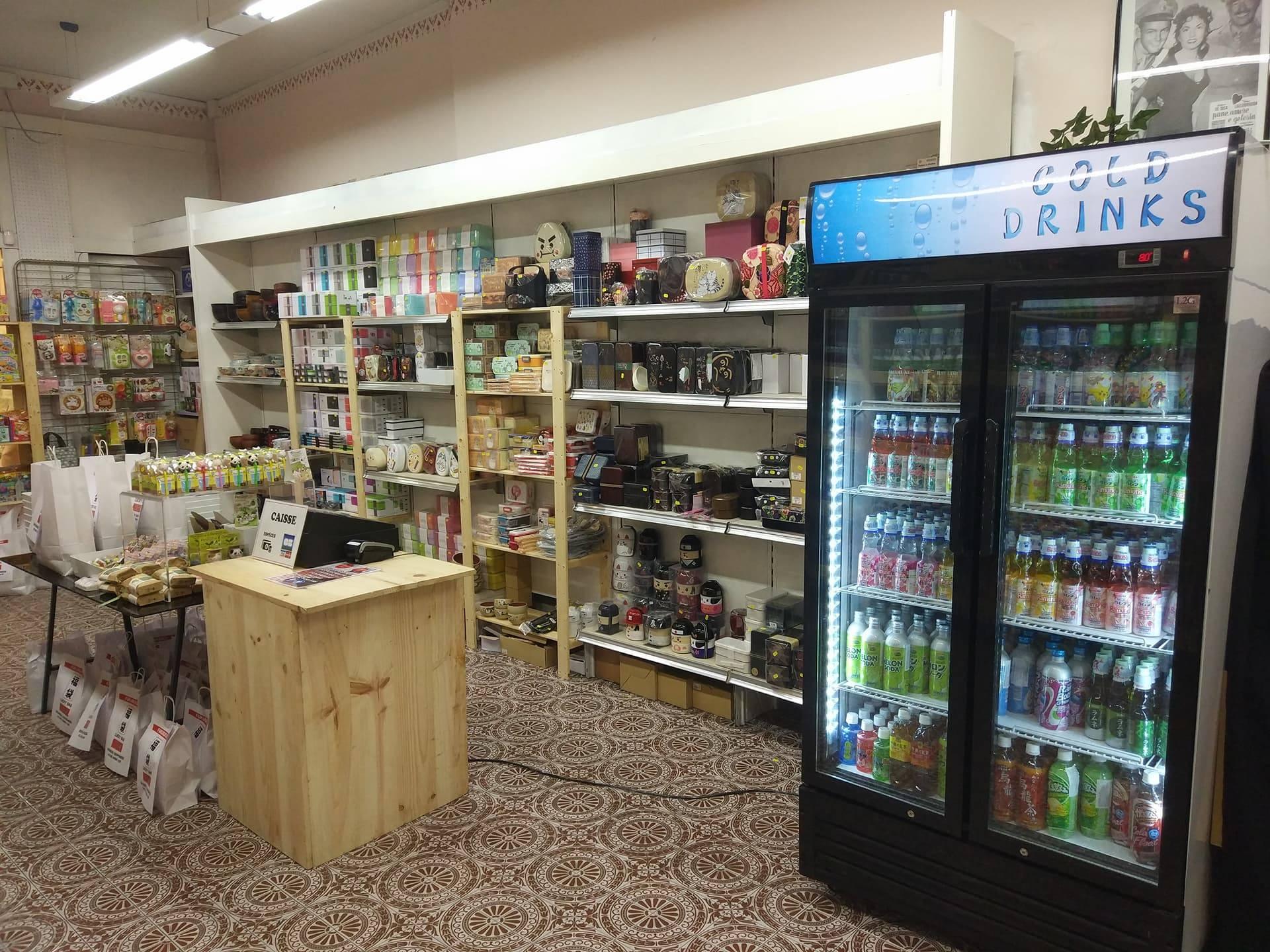 pop-up store Lucca 2017 - frigo et rayons